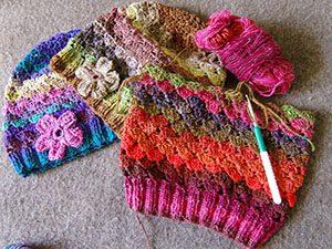 Mützen aus Noro Silk Garden Sock 308, 387 und 84