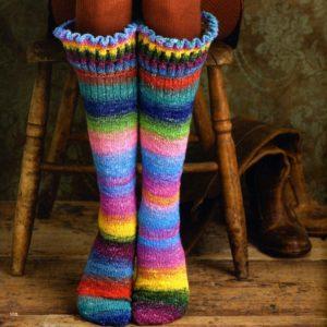"noro-silk-garden-sock-87 Socken aus ""Farbe bekennen"""