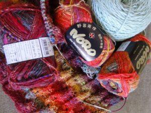 Bild vom Werden des Pullovers aus Noro Silk Garden 4ply 341 mit Merino-Wolle in Mint - noromaniac