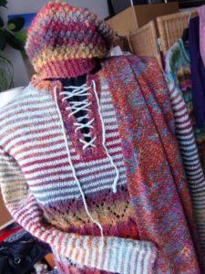 Kombination Pullover Noro Silk Garden 4ply 341 mit passender Mütze und Seidenschal by Noromaniac