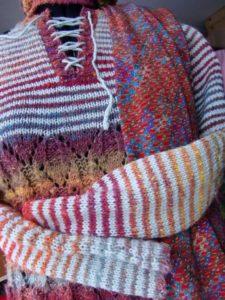Detail Pullover aus Noro Silk Garden 4ply 341 von noromaniac