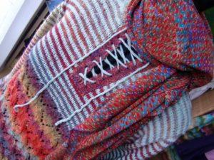 Detail Pullover aus Noro Silk Garden 4ply 341 mit Mint von noromaniac