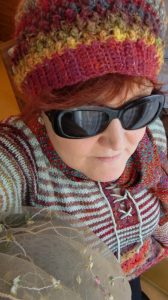 Cool und weich, die Teile aus dem geilen Norogarn, hier die herrlichen Farben der Silk Garden (4ply) 341. Foto: Katrin Walter