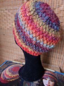 Bobbel Hat aus Noro Silk Garden #341 von hinten
