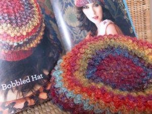 Bobbel Hat aus Noro Silk Garden 341: Orignal und nachgehäkelt