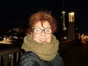 Ein Lieblingsteil von Katrin Walter, der Loop in oliv aus Koala-Wolle.
