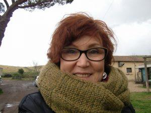 Liefert auch auf Reisen gute Dienste, der olivfarbenen Loop-Schal, hier in der Provinz von Rom in Italien. Katrin Walter - Noromaniac