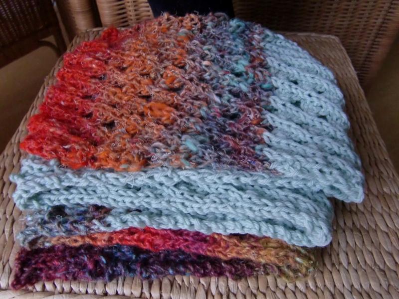Schal aus Mintfarbener Merinowolle und Noro Silk Garden 341 by Noromaniac - Katrin Walter
