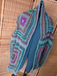 Stola Holla die Waldfee aus Noro Silk Garden Sock #370. Foto: Katrin Walter, Noromaniac