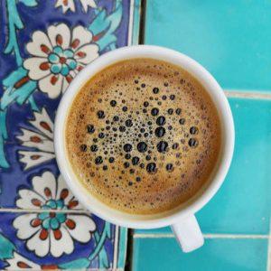 Eine Tasse Kaffee für Noromaniac als Dankeschön für die tollen Tipps und Inspirationen, hier auf dem Blog über Norogarn, Stricken und Häkeln