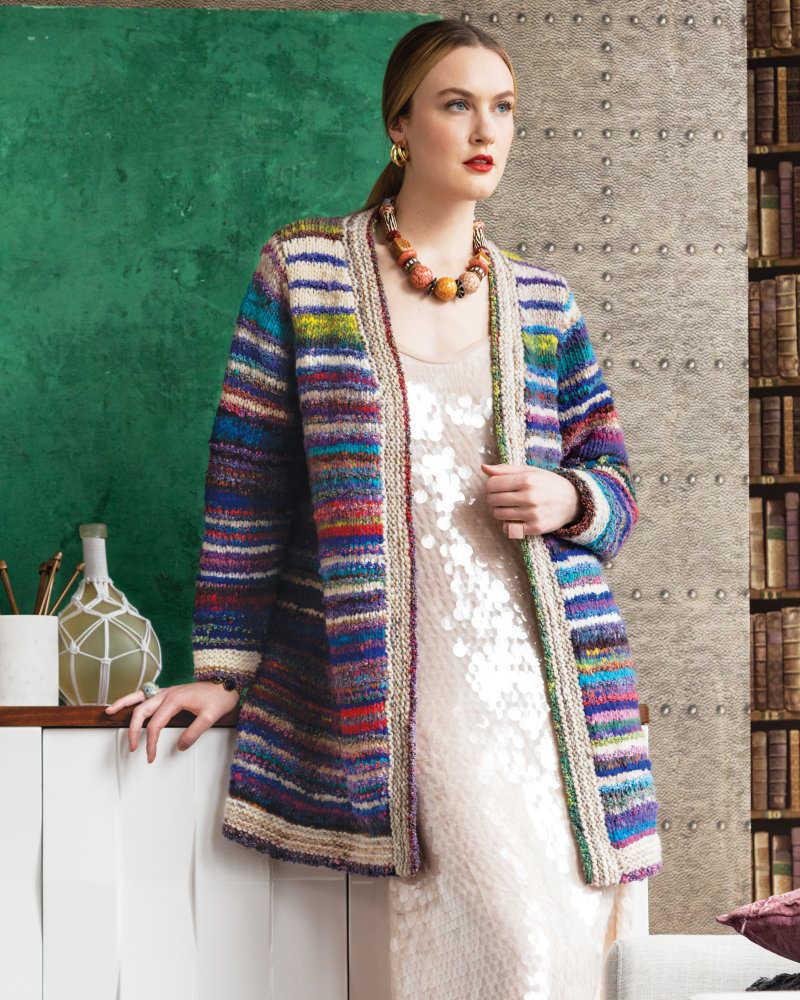 Verschlusslose Jacke aus Norogarnen von Audrey Drysdale. Illustration für Wollrezension von Noromaniac