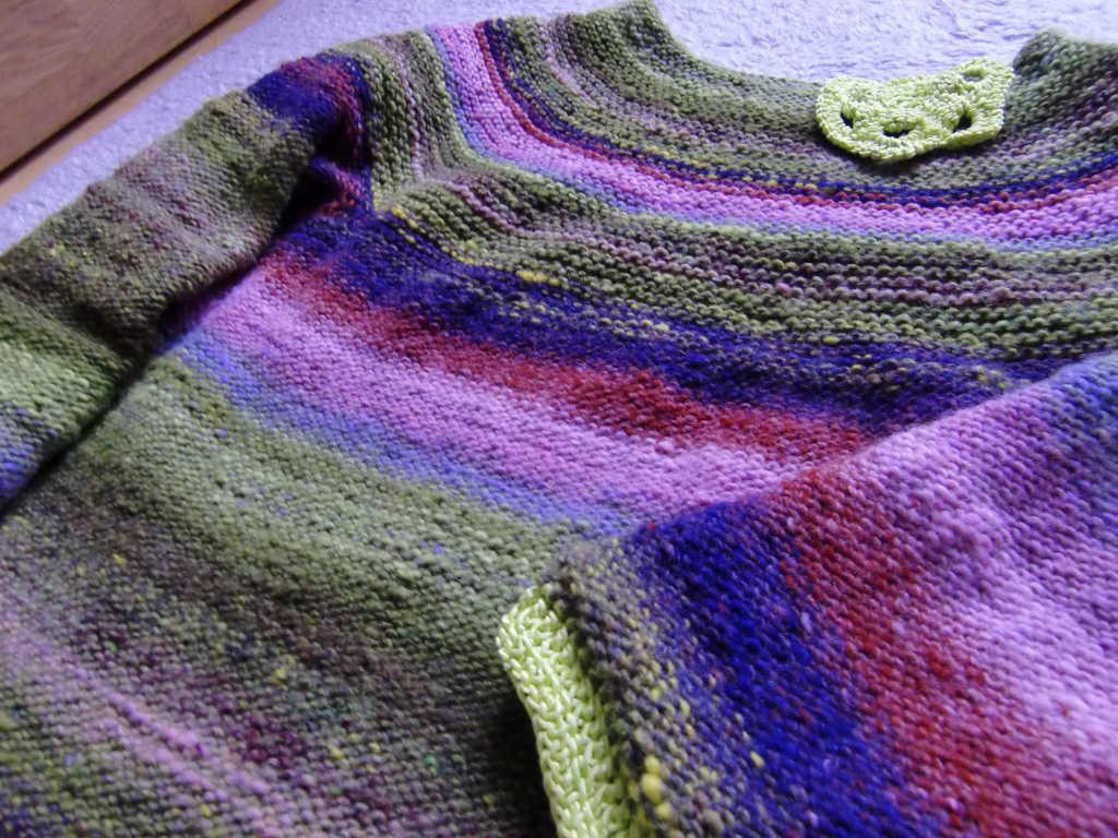 Der Pullover aus dem Garn Noro Kureyon 221 von Noromaniac. Foto: Katrin Walter