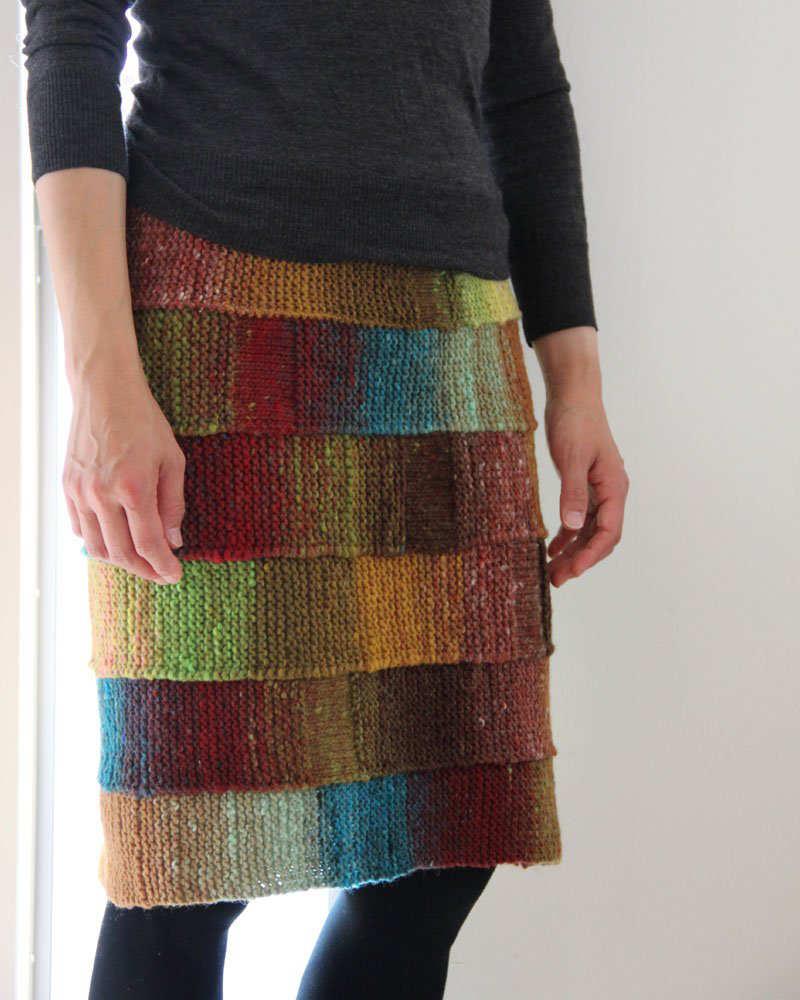 """""""Pencil Skirt"""", der klassische Bleistiftrock in breiten Streifen vom Noro Design Team, hier in Noro Kureyon Farbe #398 - Noromaniac"""