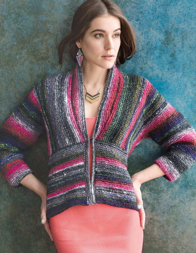 """Kraus rechts gestrickte Schalkragen-Jacke in Grautönen mit Pink und etwas Royalblau. Dieser """"Refined Stripes Cardigan"""" ist aus der Farbe #388 und wurde von Jacqueline van Dillen designt - Noromaniac"""