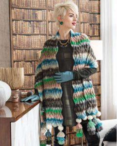 Lange und breite Stola von Alexandra Davidoff designt aus der Farbe #343 der Wolle Noro Kureyon in den Fsrben Natur, Rosa, Graubraun, Grün und Jeansblau - Noromaniac