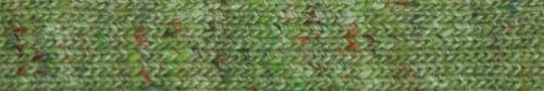 Ein Grünmix, zwischen Lindgrün und Frühlimgsgrün, die Garnfarbe #08 Hisui der Noro Madara bei Noromaniac