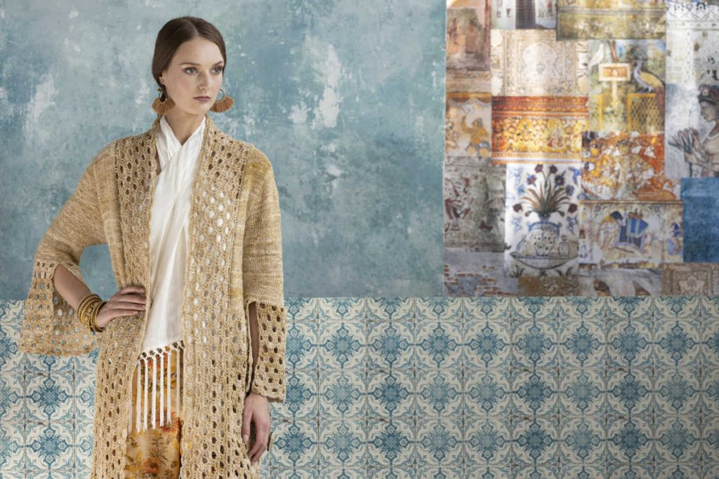 Knit & Crochet Coat by Katrin Walter aus Noro Kumo Design 01 der Serie Summer Breeze aus Noro Magazine Issue 16. Foto: Soho/KFI