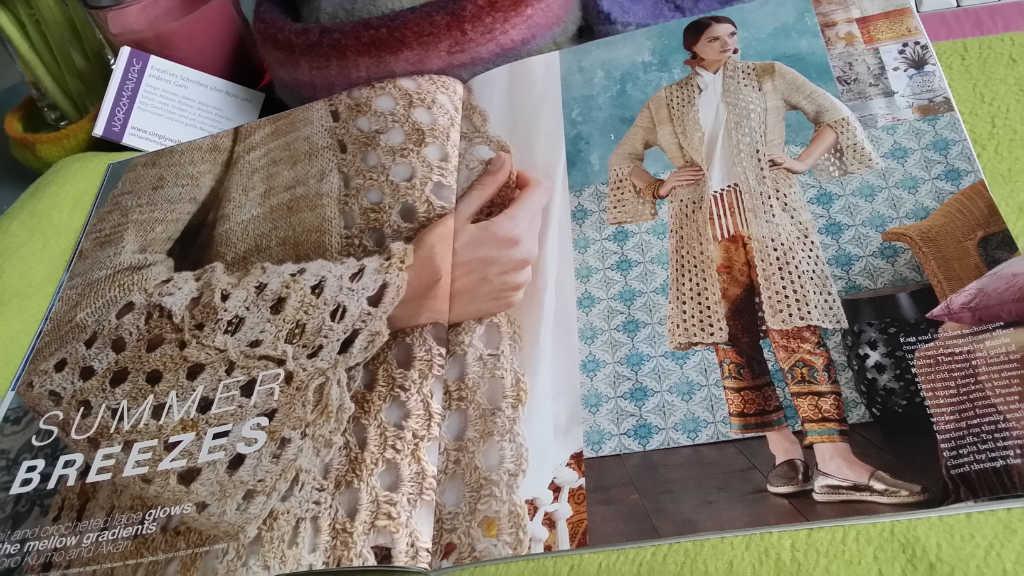 Mein Strick- und Häkel-Mantel aus Noro Kumo als erstes Design im Noro Magazine 16 als Auftakt zur Summer Breeze-Serie. Foto vom Magazin: Katrin Walter – Noromaniac