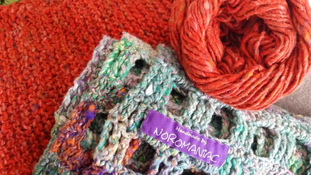 Passen auch super zusammen, die Farben der Noro Kibou 5 (mit viel Grün) mit der Noro Tokonatsu 16 in Orange. Foto: Katrin Walter - Noromaniac