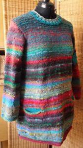 Die ganze Pracht des Pullovers aus Noro Ito 3 von Noromaniac. Foto: Katrin Walter