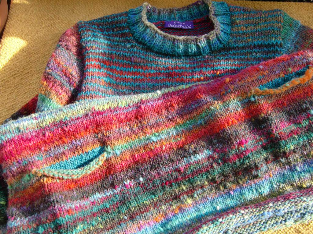 Details am Pullover von Noromaniac aus dem Norogarn Noro Ito 3. Foto: Katrin Walter