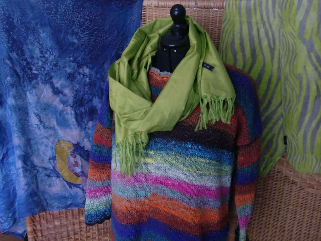 Hyazinth Sweater aus Noro Aya #28 von www,simplywalter.biz/Noromaniac – Foto: Katrin Walter