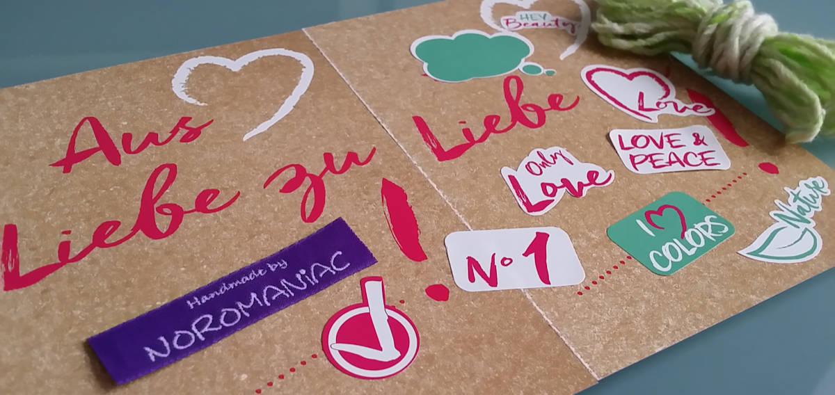 Aus-Liebe-zu Bild mit Stickern als Illustration des Artikels über Liebe zum Garn und zu Noromaniac: Valentine 2019. Foto Katrin Walter