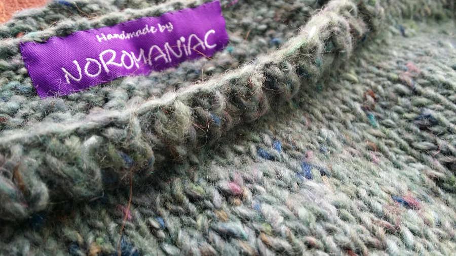 "Design + Handmade by Noromaniac. Yarn: Noro Silk Garden Sock solo #60 ""Abiko"". Foto: Katrin Walter"