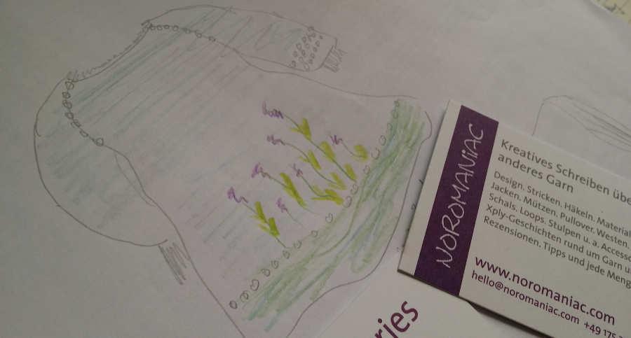 Noromaniacs Idee zu einem RVO hier als Strickkleid in A-Linie, designed für das Garn Noro Silk Garden Sock solo. Foto: Noromaniac - Katrin Walter