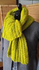 Sehr warmer Schal aus neongelber Alpaka-Wolle von Dibadu Funnies Chunky, einer der Schals 2018 von Katrin Walter - Noromaniac
