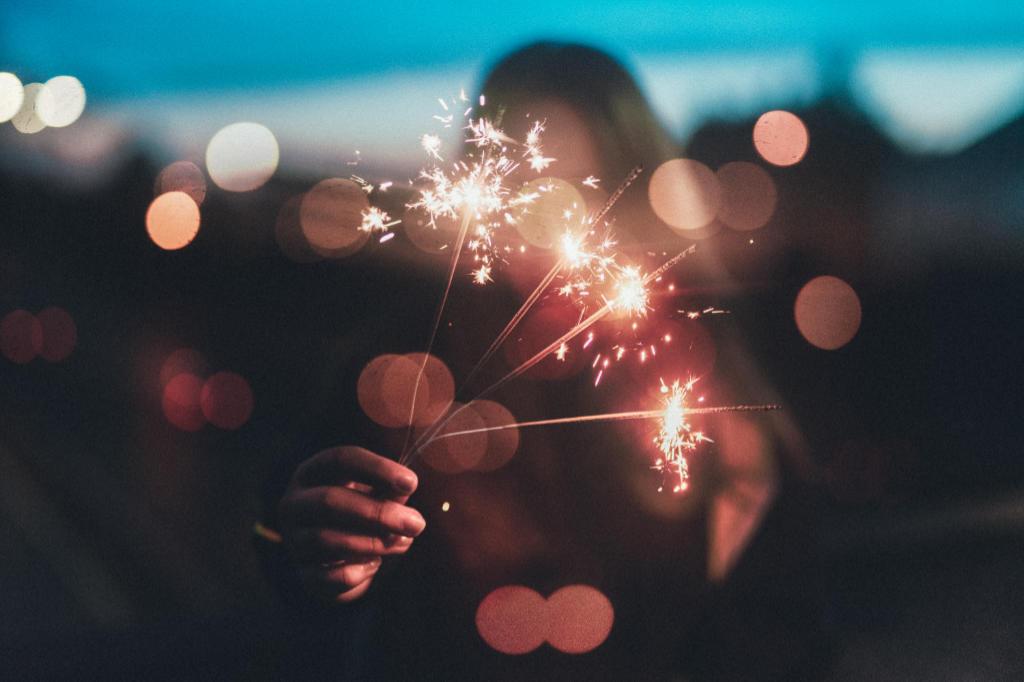 Wunderkerzen, um zu sagen Alles Gute zum neuen Jahr von Katrin Walter - aka Noromaniac. Illustration für den Beitrag Schals 2018