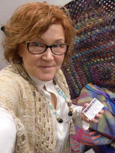 Der Knit & Crochet Coat by Katrin Walter aus Noro Kumo #15 (Noro Magazine 16) an ihr selbst noch vor dem Versenden nach New York. Foto: Noromaniac