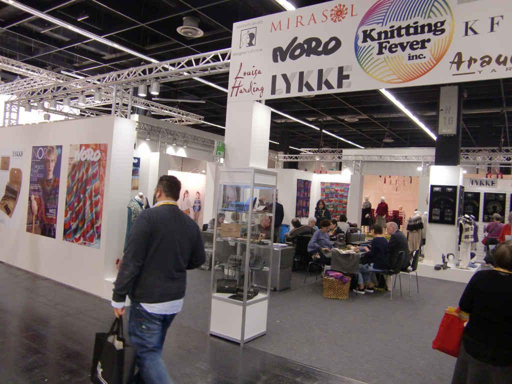 Der Stand von Sion Elalouf und Knitting Fever auf der Messe H+H 2018 in Köln. Foto: Katrin Walter (Noromaniac)